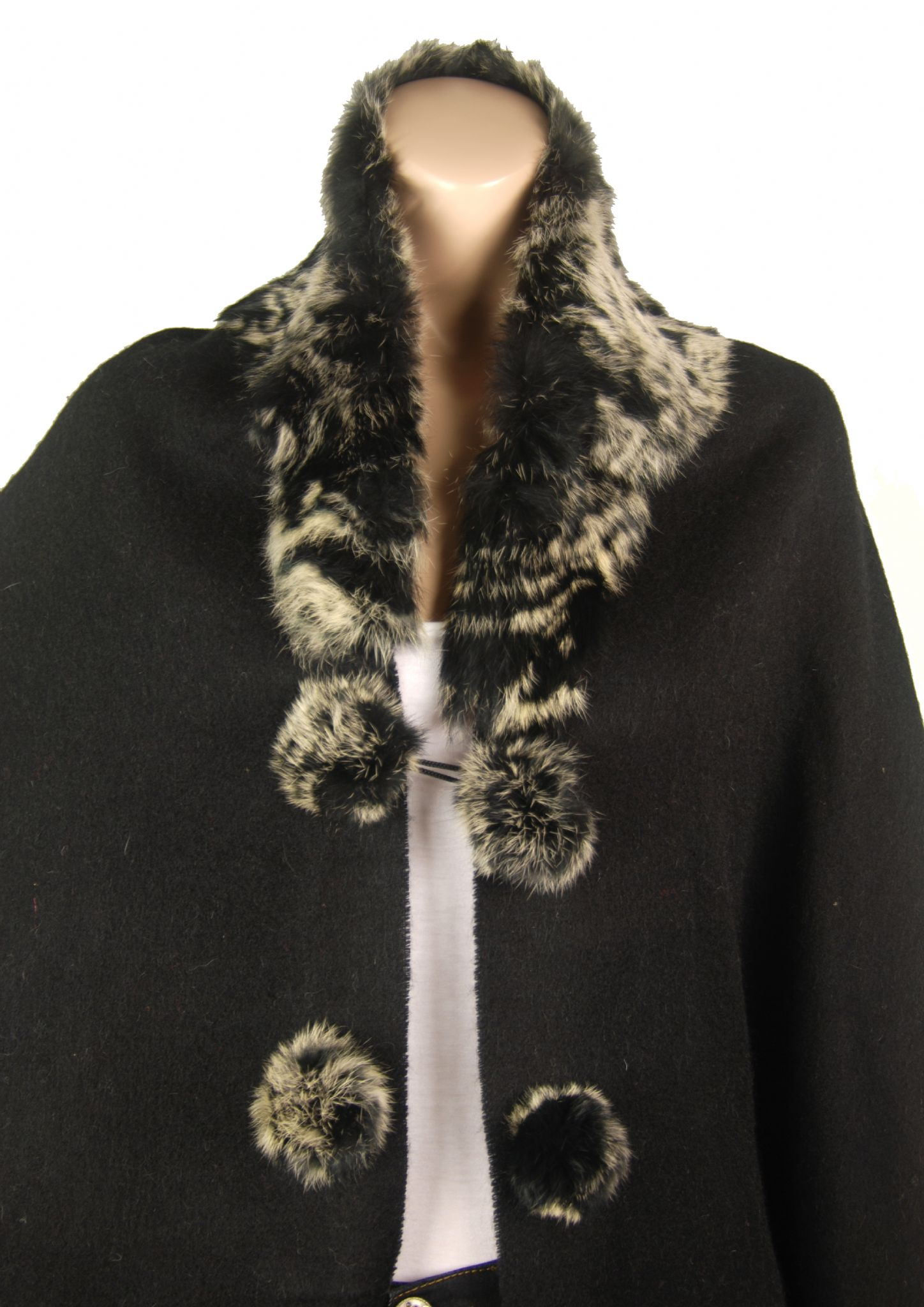 http://youraccount.ekmpowershop27.com/ekmps/shops/conmigo/images/1.-cd710-black-elegant-wool-winter-wrap-with-a-luxurious-thick-coordinating-fox-fur-collar-[2]-18151-p.jpg